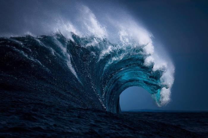 Работы австралийского фотографа Рэя Коллинза (Ray Collins) на гребне волны on crest of wave