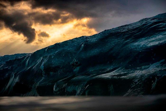 Работы австралийского фотографа Рэя Коллинза (Ray Collins) вулканическая волна volcanic wave