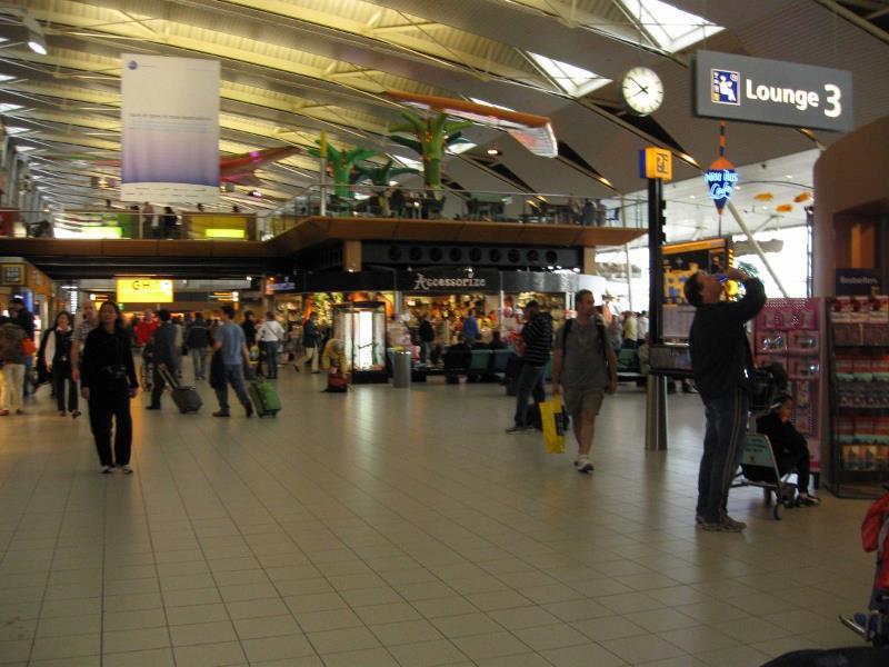 Амстердамский аэропорт Схипхол (AMS)