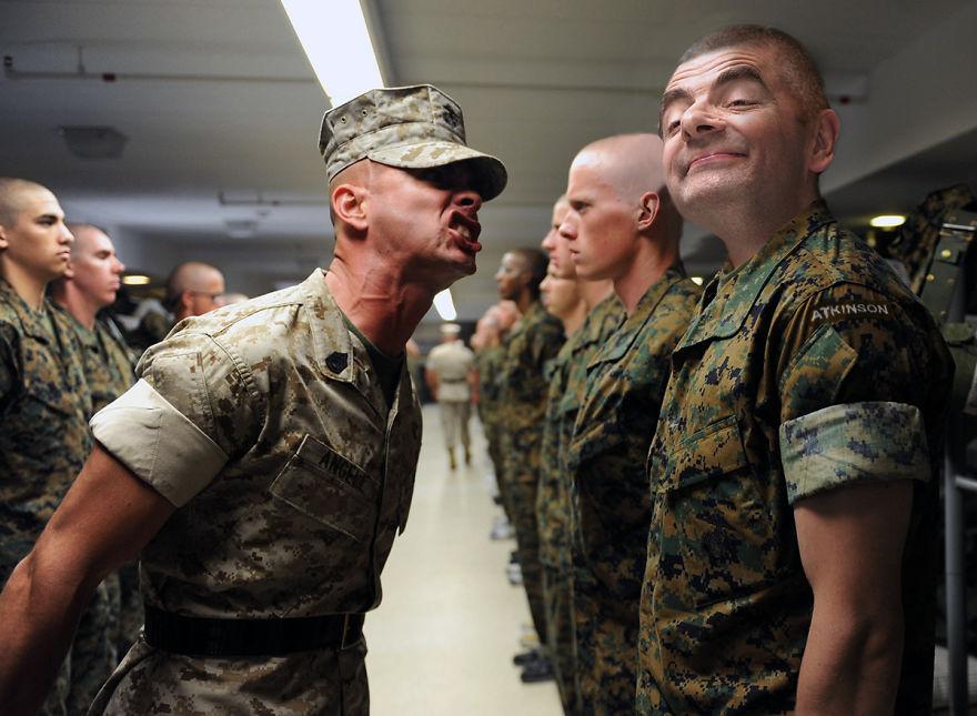 Рядовой Аткинсон на учениях вооруженных сил США в Форт-Джексоне