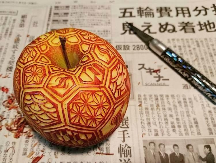 Художник Gaku превращает еду в произведения искусства яблоко