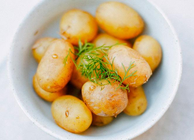 Десять продуктов, которые помогут похудеть картофель potato