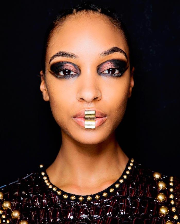 Неземная красота: 15 макияжей с Парижской недели моды Balmain