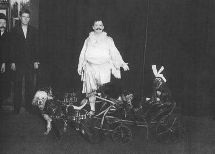 Король шутов» Анатолий Дуров основатель цирковой династии во время репетиции anatoly durov