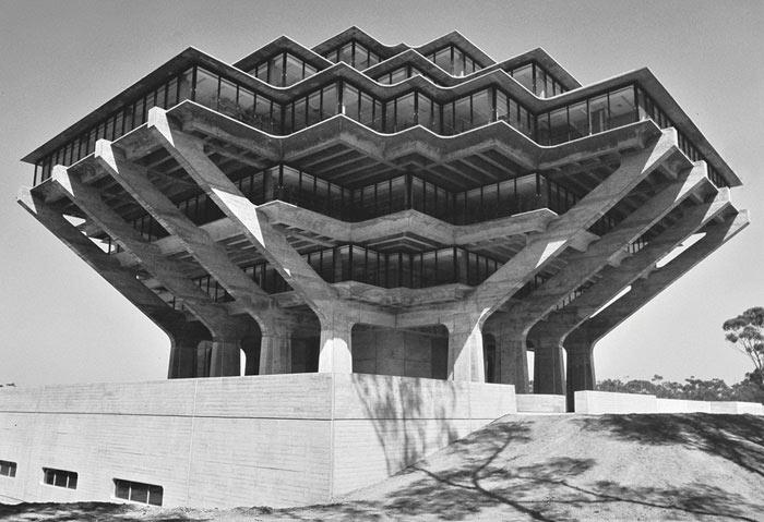 Библиотека Гейзеля, Калифорнийский университет в Сан-Диего, США архитектор Уильям Перейра