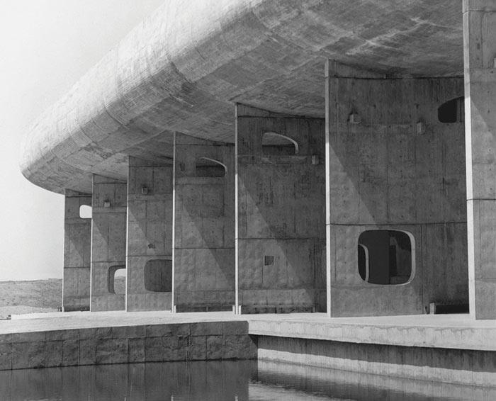 здания в стиле брутализма Питер Чедвик Дворец Ассамблеи, Чандигарх, Индия