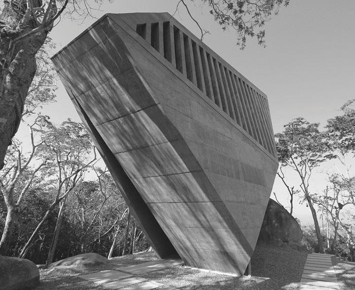 здания в стиле брутализма Питер Чедвик Часовня Заката, Акапулько, Мексика