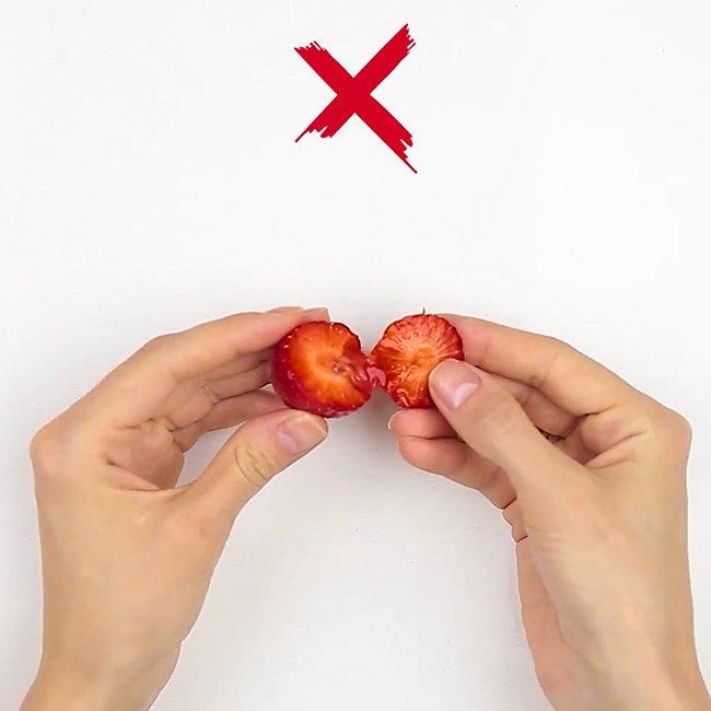 Быстрые и лёгкие способы почистить фрукты и ягоды клубника
