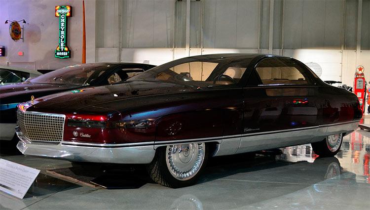 Футуристический концепт-кар Cadillac Solitaire