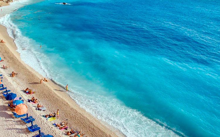13 мест с самой красивой водой на планете Эгремни остров Лефкада Греция