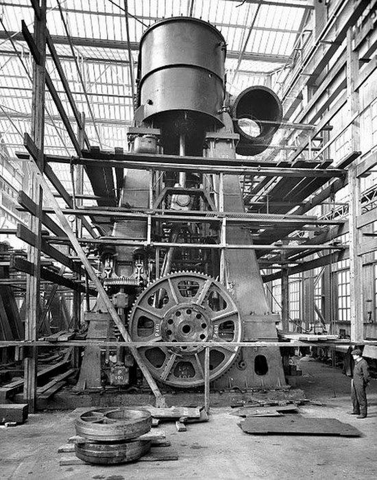 крупнейший в мире двигатель мощностью 109 000 лошадиных сил Wärtsilä 300 RT-flex96C Сборка двигателя «Титаника»