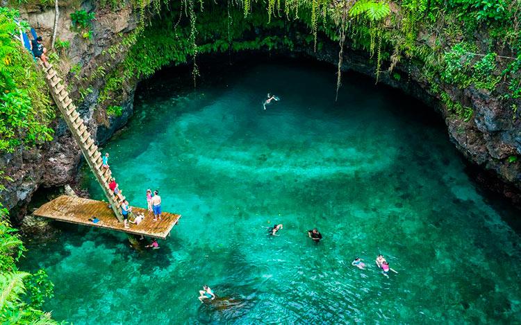 13 мест с самой красивой водой на планете Озеро Большая синяя дыра Самоа great blue hole