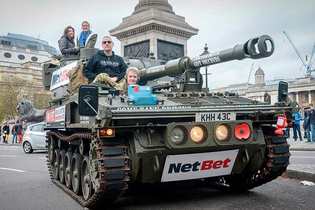 Британский коллекционер купил советский танк и нашел в нем слитки золота