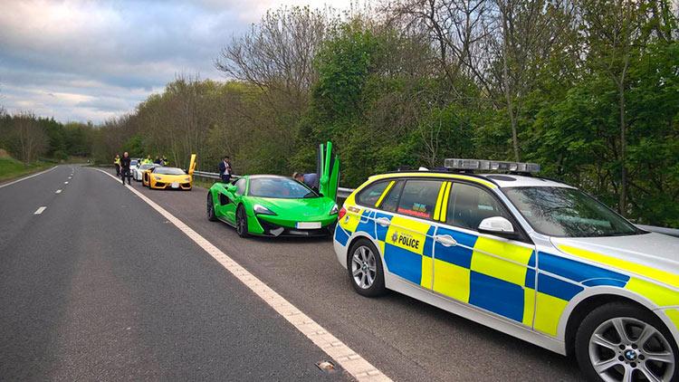 Полиция конфисковала три спортивных автомобиля за антисоциальное поведение