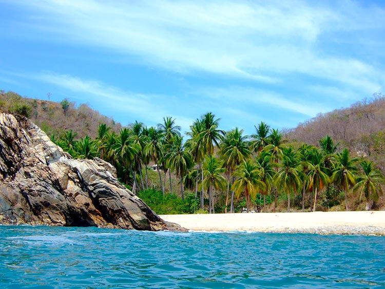 Крутые пляжи Мексики Playa La Boquilla, Пуэрто-Анхель, Оахаса.