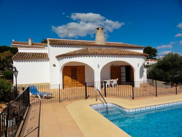 Какой дом можно купить за 300 000$ в разных странах Олива, Испания
