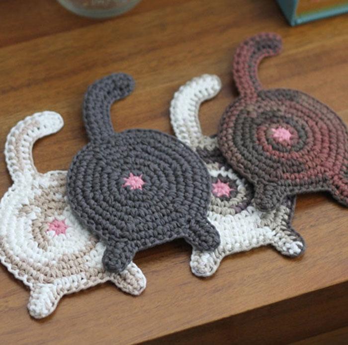 Подарки для любителей кофе вязанные подстаканники-котики