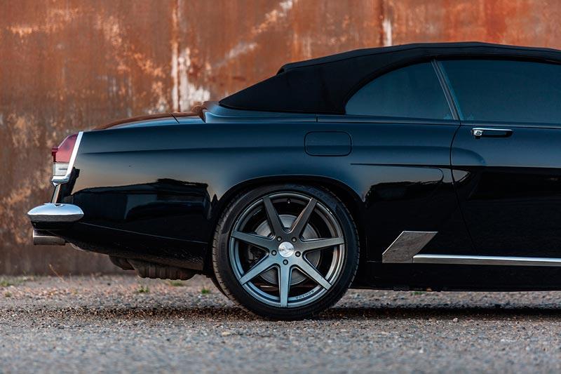 """Кабриолет BMW 650i, стилизованный под ГАЗ-21 """"Волга"""""""