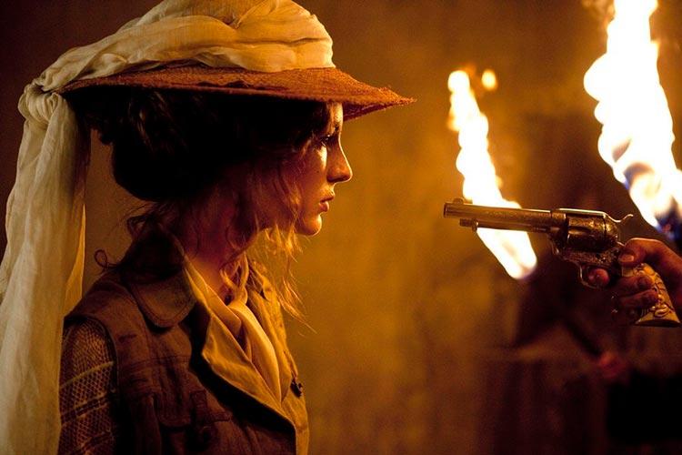 12 динамичных фильмов Люка Бессона Необычайные приключения Адель / Les aventures extraordinaires d'Adèle Blanc-Sec