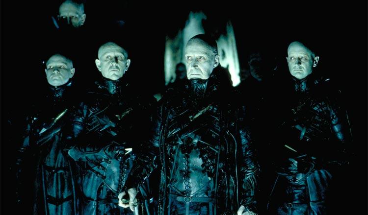 10 фильмов, пронизанных аналитической психологией Карла Юнга Тёмный город / Dark City