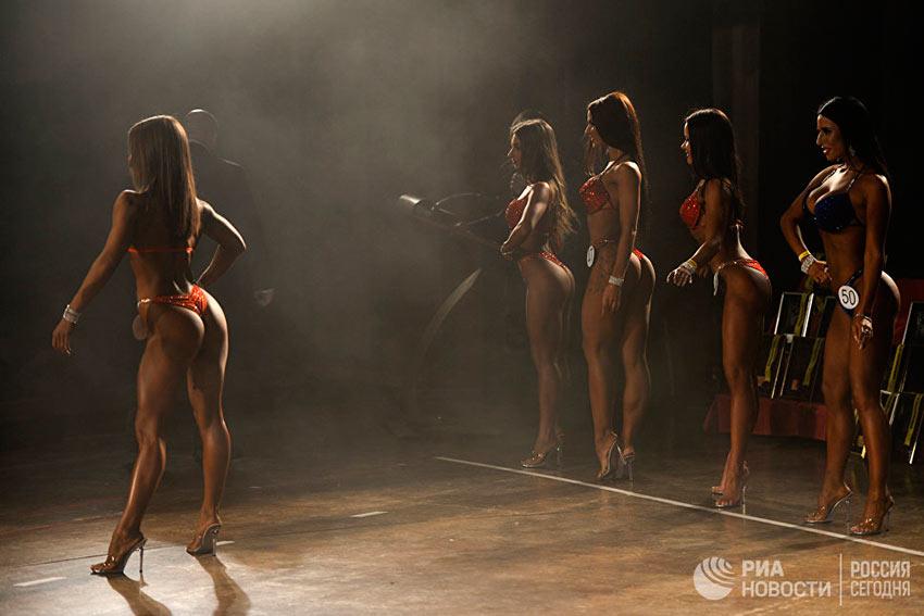 Лучшие фотографии апреля Участницы открытого чемпионата Новосибирской области по бодибилдингу, бодифитнесу и фитнес-бикини