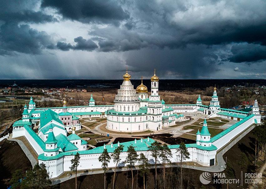 Лучшие фотографии апреля Воскресенский Ново-Иерусалимский ставропигинальный мужской монастырь в Московской области
