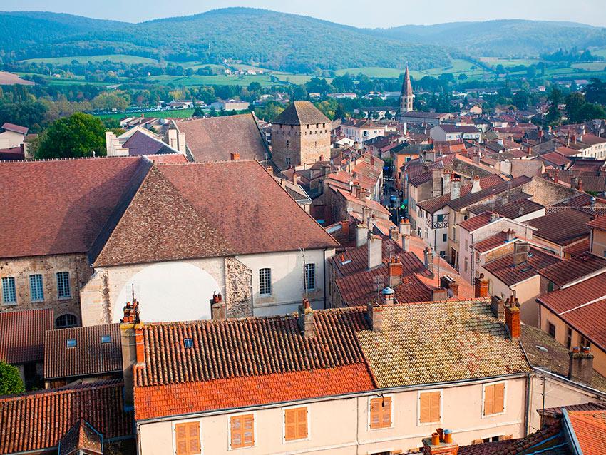 Самые красивые маленькие городки Франции Клюни