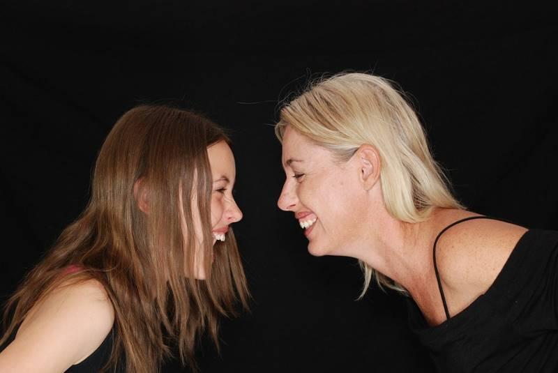 7 простых способов снять стресс смех
