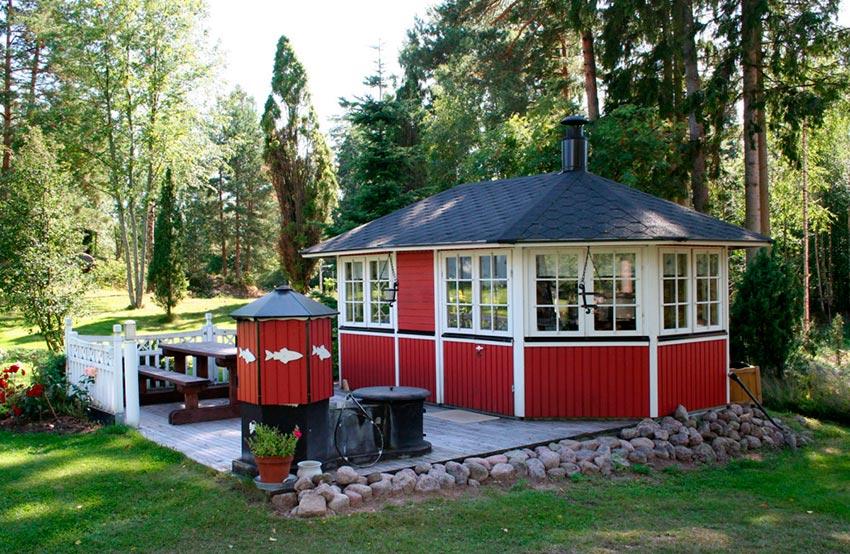 Современная летняя кухня на даче