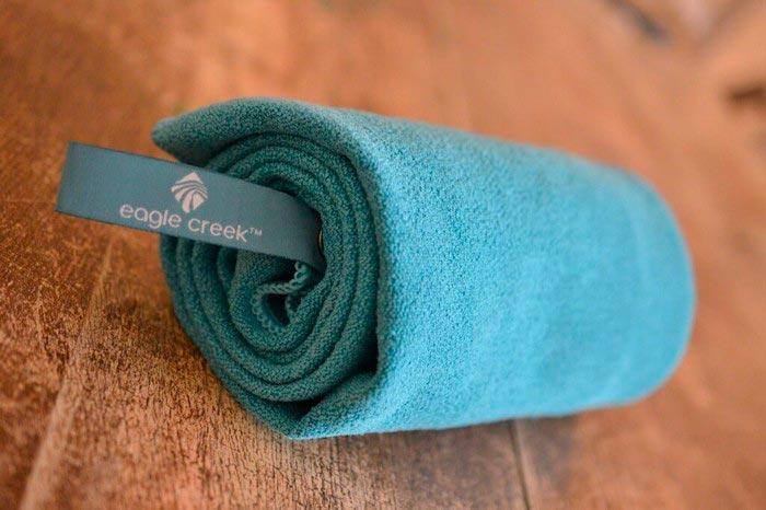 15 вещей, которые точно пригодятся в любом путешествии мини-полотенце