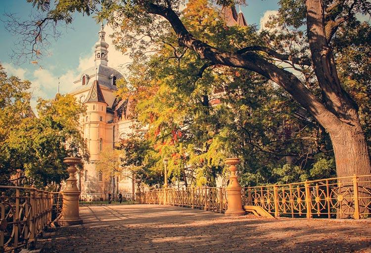Замечательная Венгрия Замок Вайдахуняд