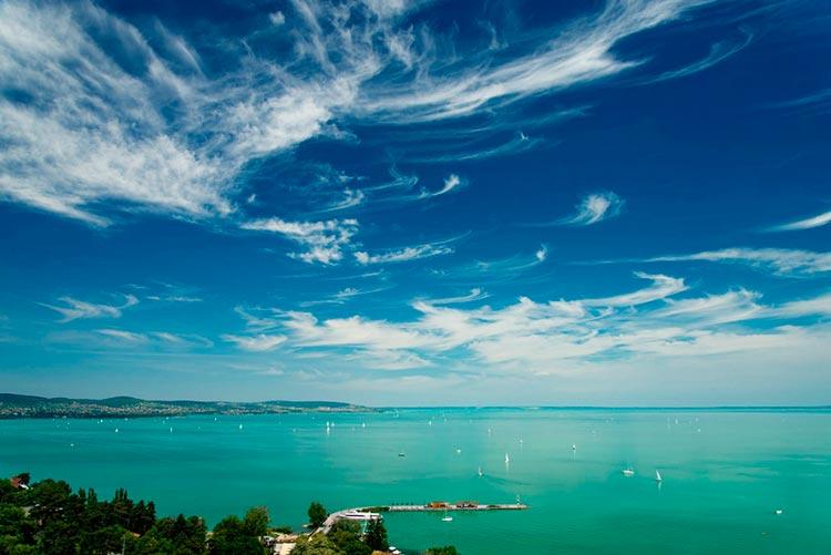 Замечательная Венгрия вид на озеро
