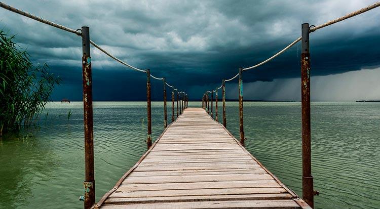 Замечательная Венгрия Приближается шторм.