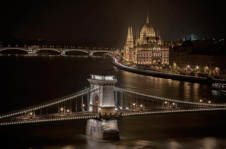 Замечательная Венгрия Огни Будапешта.