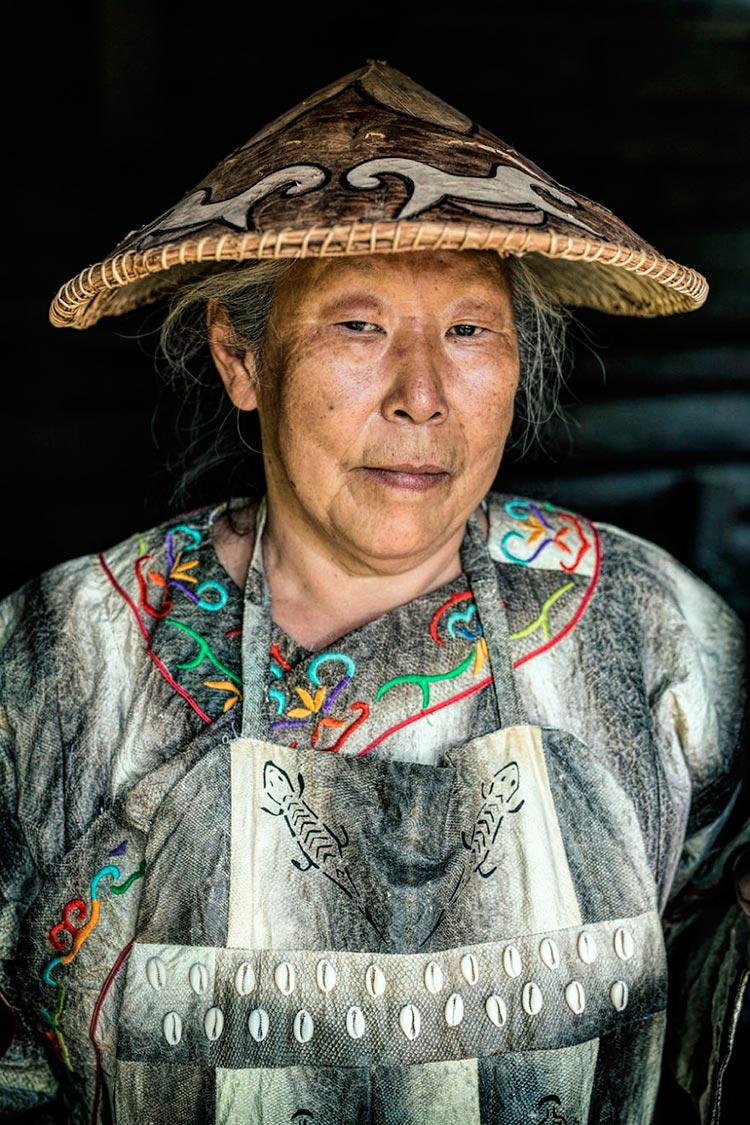 Коренные народы Сибири Женщина из народа орочи