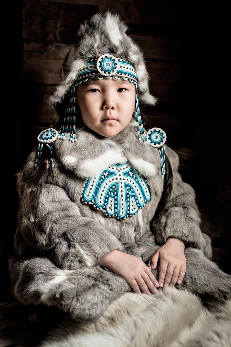 Коренные народы Сибири Эвенкийская девочка