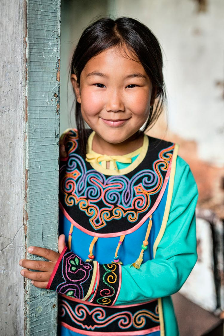 Коренные народы Сибири Девочка из народа ульта