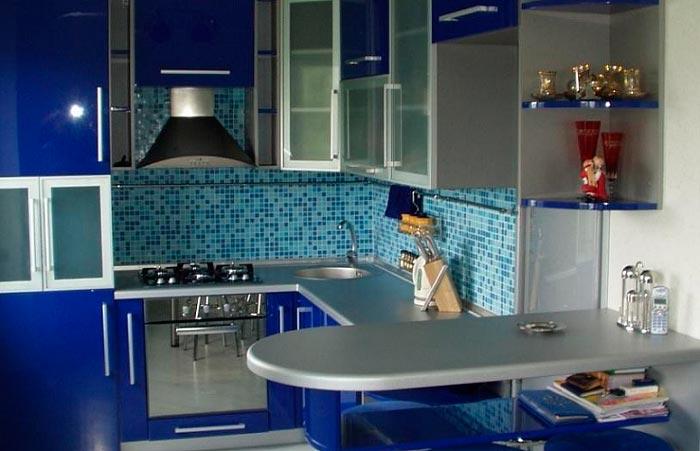 5 лучших идей дизайна для кухни площадью 7 кв.м Кухня с барной стойкой