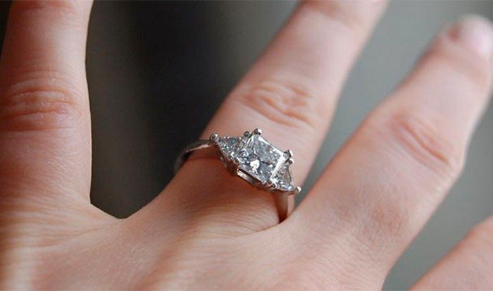 10 модных фич в жизни современного человека Дорогие кольца с бриллиантами