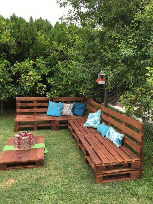 20 примеров самодельной садовой мебели из дерева Бюджетный вариант