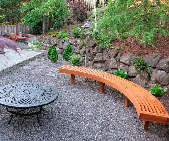 20 примеров самодельной деревянной садовой мебели Полукруглая лавочка из дерева