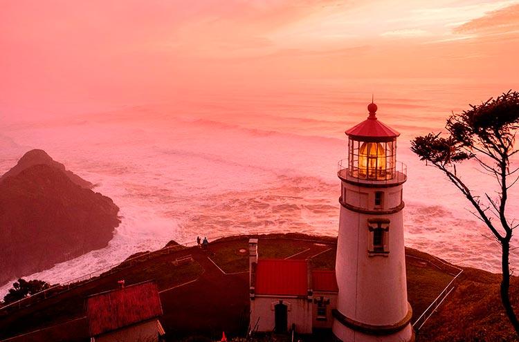 Самые красивые маяки мира Йакина на побережье штата Орегон, США