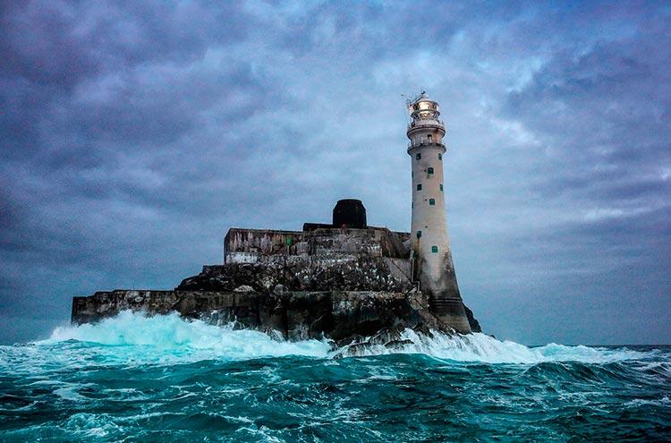 Самые красивые маяки мира Ирландия Фастнет-Рок