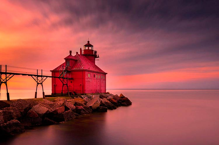 Самые красивые маяки мира в городе Стердж-Бей, Висконсин, США
