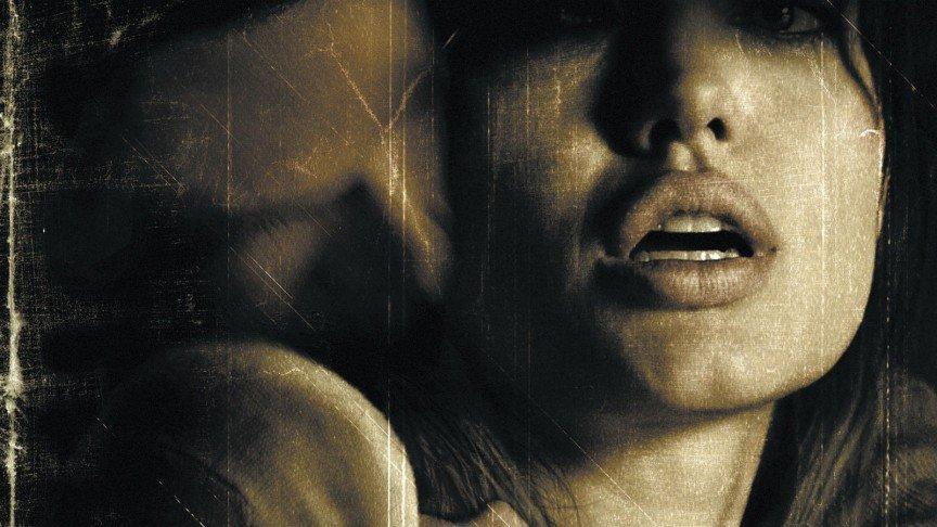 12 скандальных эротических сцен в кино Забирая жизни Анджелина Джоли (Angelina Jolie)
