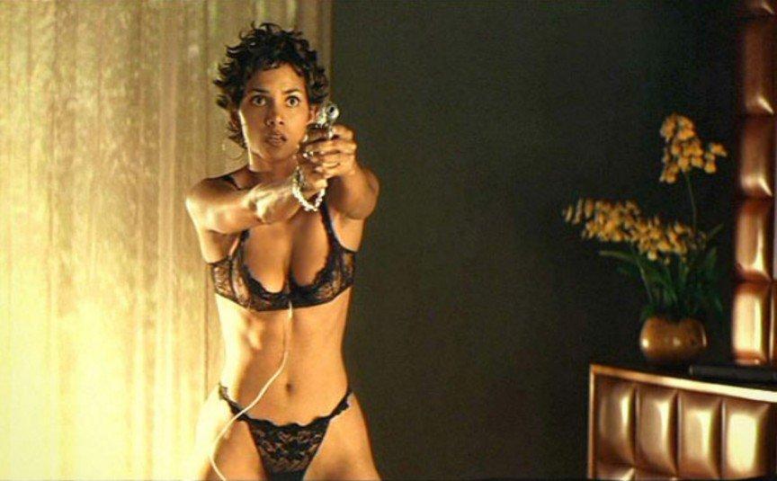 12 скандальных эротических сцен в кино Пароль Рыба-меч Хэлли Берри (Halle Berry)