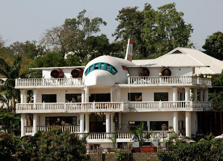 25 странных домов со всего мира Дом в виде самолета