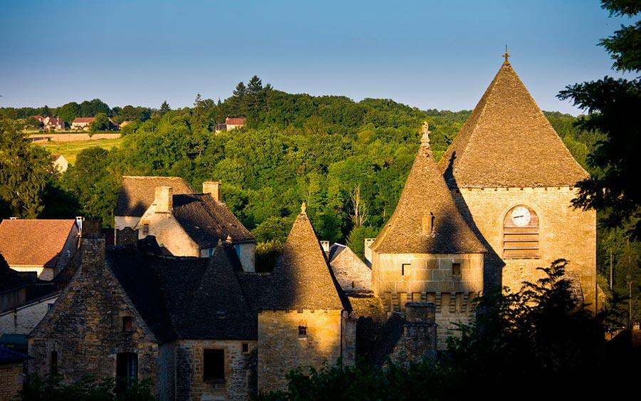 Европейские деревни: малоизвестные, но красивые Сен-Жени, Франция