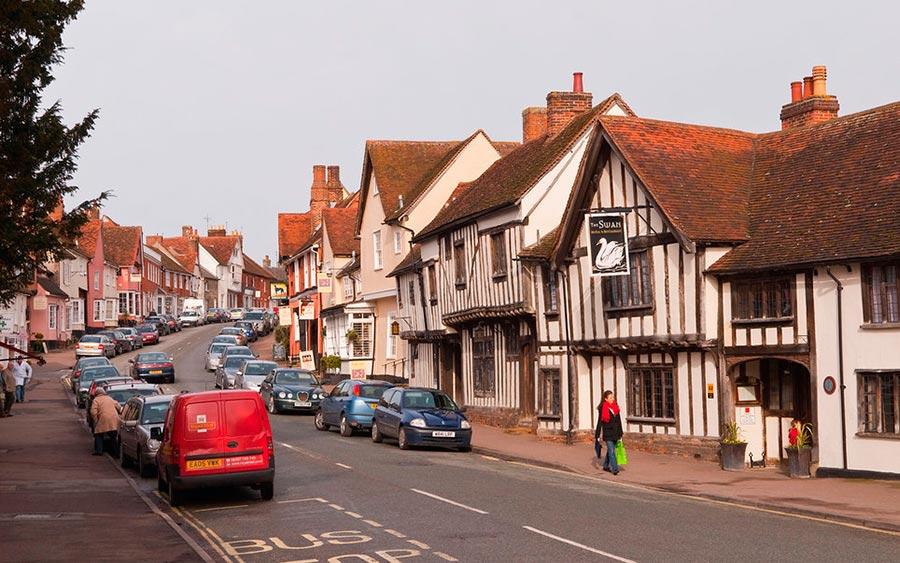 Европейские деревни: малоизвестные, но красивые Лавенем, Великобритания