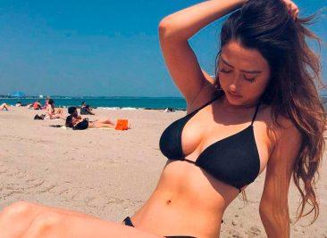 Инстаграм: девушки в купальниках и нижнем белье